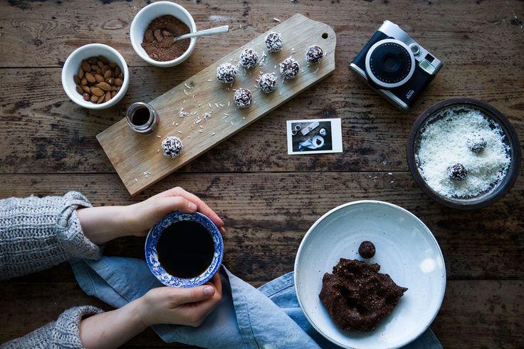Glutenfria, Nyttiga & Veganska Choklad- & Kokosbollar :: Gluten Free, Healthy & Vegan Chocolate Coconut Balls