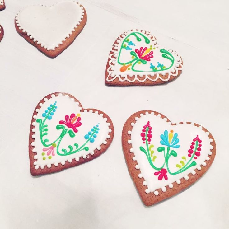 Gingerbread Heart Cookies for Christmas - Art Nouveau decoration