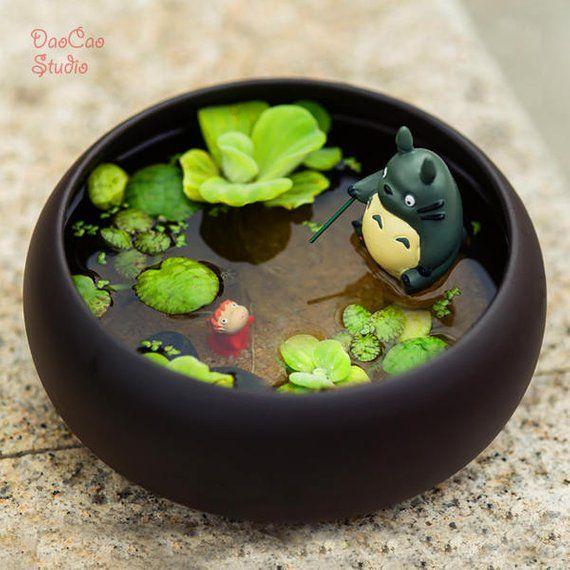 Pesca de Totoro na balsa de bambu, [NO Plant] , Ponyo Peixe Bebê Estúdio Glibli Mini Jardim de Fadas Suprimentos Suculenta Terraium DIY Acessórios   – Anime Zauber