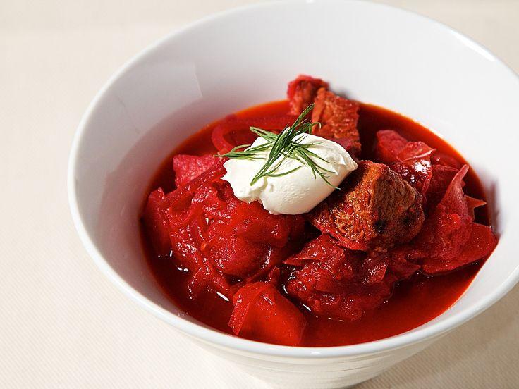 ボルシチ - 鮮やかなビーツやたっぷりの野菜とお肉の味が凝縮した抗酸化力満点のスープ