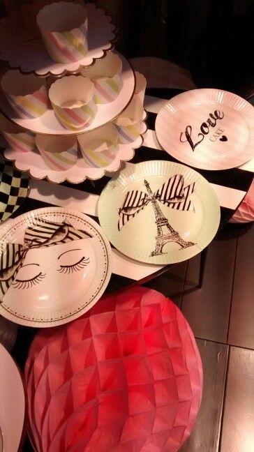 #Miss Etoile #Happy #pop-up-party #Paris #cakes