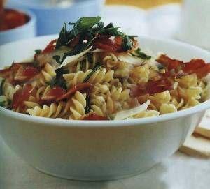 Салат из макарон, ветчины и цветной капусты «олумбия