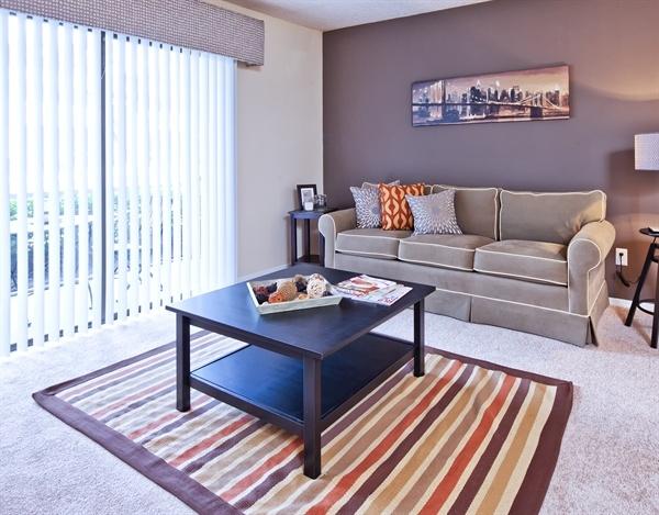 904 272 5775 1 2 bedroom 1 2 bath arbors at orange - 1 bedroom apartments in orange county ...