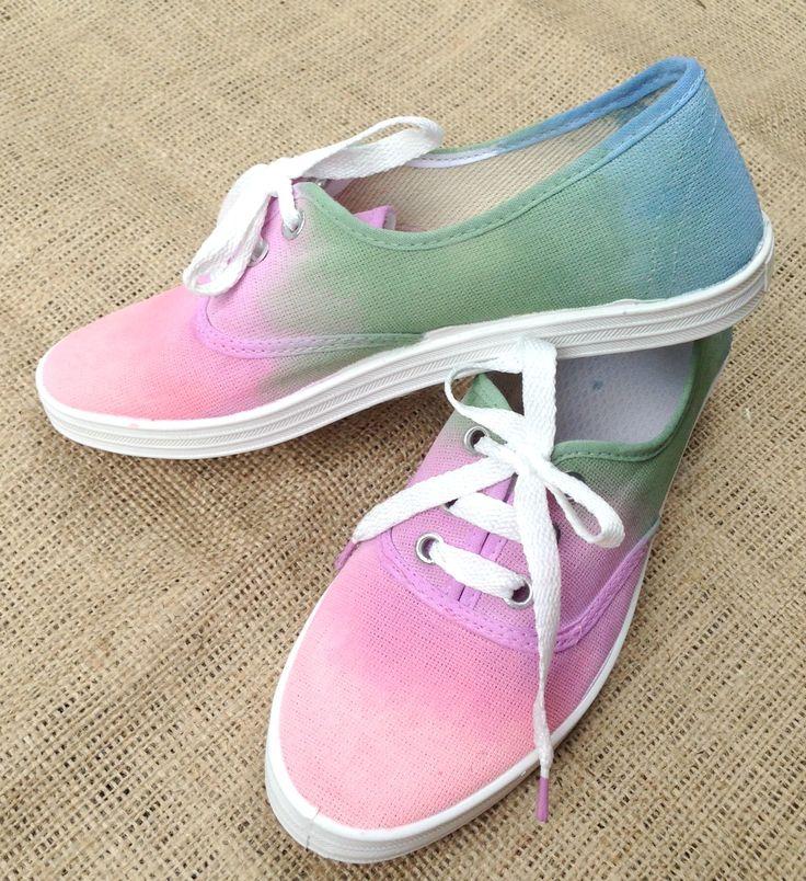 Zapatillas pintadas a mano - Painted sneakers