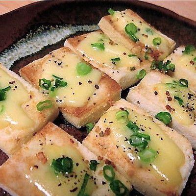 生地作り不要!「高野豆腐」で作る「ピザ」が簡単おつまみに◎