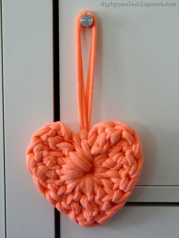 Diy by Paula: Desafío Love Craft: Corazones de Trapillo ༺✿ƬⱤღ  http://www.pinterest.com/teretegui/✿༻
