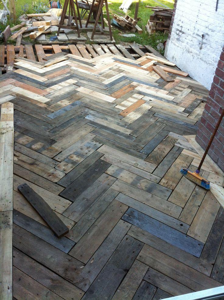 Dachsparren Der Terrasse In Paletten Europa Dekor Mode Pinterest