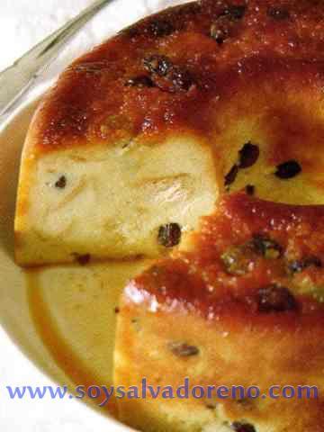Budin de pan y guineo | Recetas 100% Salvadoreñas  Para quienes solicitaron esta receta, desde Pinterest! :)
