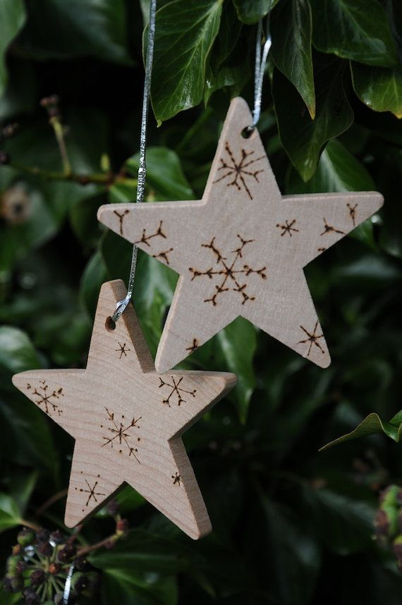 4 Personalized Personalised Christmas holiday tree decorations, chunky wooden Christmas stars with pyrography engraved snowflakes