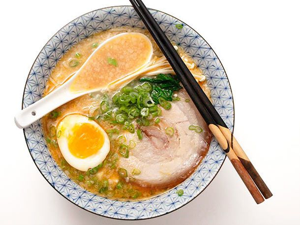 Tonkotsu Ramen: Soups, Ramen Recipe, Asian Food, Ramen Broth, Tonkotsu Frame, Creamy Tonkotsu, Favorite Recipes, Serious Eats