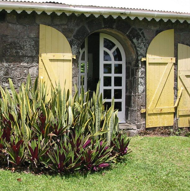 Who Flies To St Kitts: 17 Best Images About Antebellum Homes On Pinterest