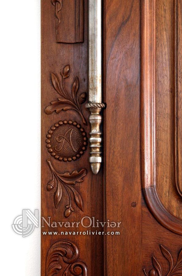 Talla artesana sobre madera de nogal by navarrolivier.com  #madera #nogal #talla #ebanisteria #carpinteria #artesano #navarrolivier #charpentier #bois #ebanisterie