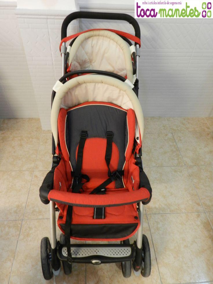 Carro gemelar. Incluye silla de coche grupo 0 con fundas extra, silla de paseo, plástico para la lluvia y mochila. Marca Jané. Modelo Twin Two. PVP TocaManetes: 300€. http://tocamanetes.com/es/81-jan%C3%A9-twin-two.html