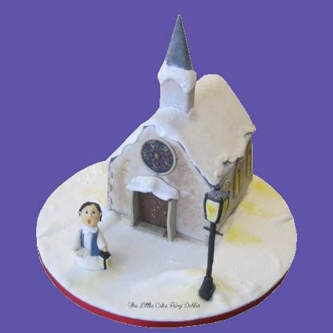 A snowy church and choirboy Christmas scene, for which I won 3rd prize in the Dublin Sugarcraft Guild 2013 Novelty Christmas Cake Competition! www.littlecakefairydublin.com www.facebook.com/littlecakefairydublin