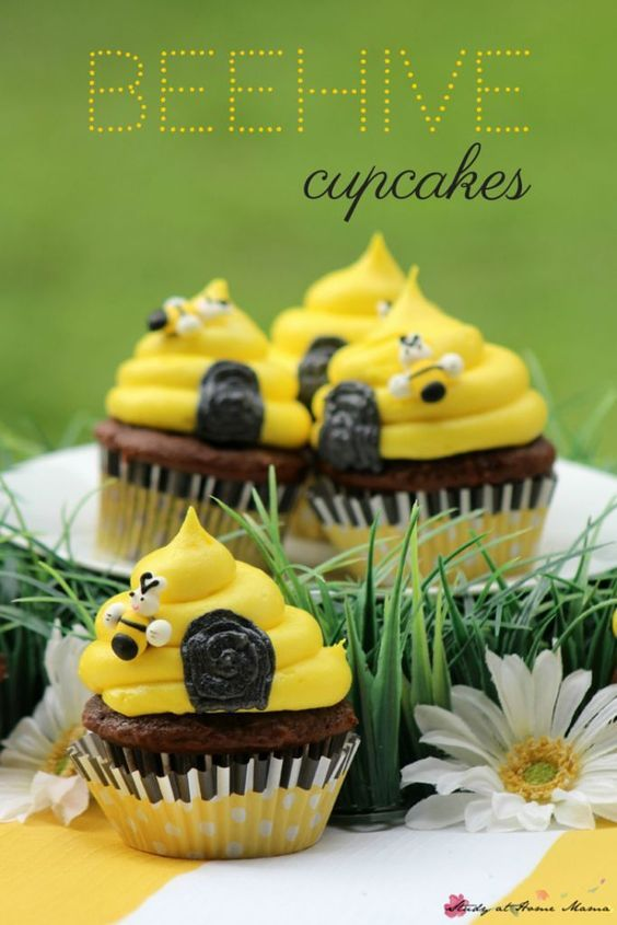 The 25 Best Beehive Cupcakes Ideas On Pinterest