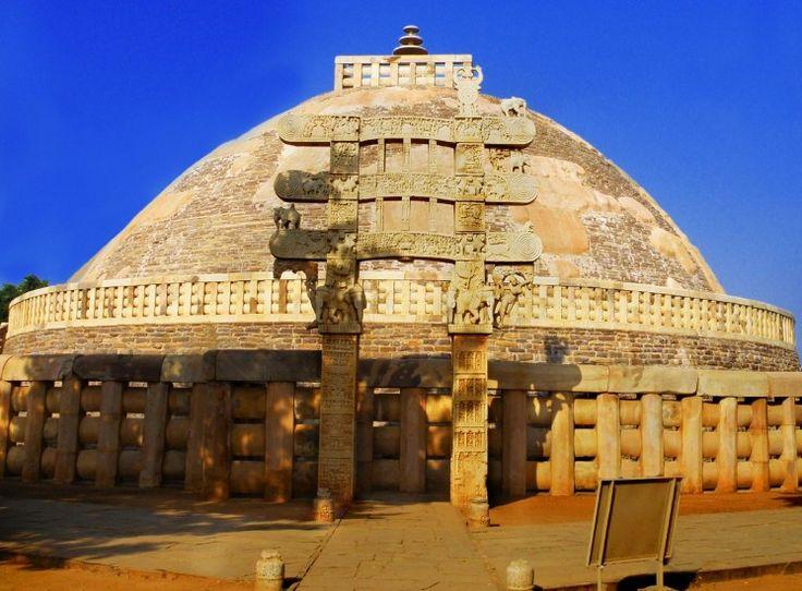 Sanchi_Stupa_from_Eastern_gate,_Madhya_Pradesh--wikimedia