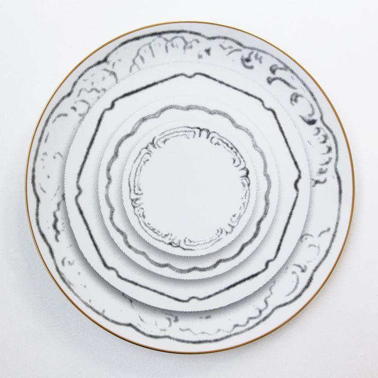 Tracés serving plate by Sam Baron for Vista Alegre/ porcelain with golden edge /32cm D x 3.8 cm H /Edition of 30.Photo byCostas Voyatzis.