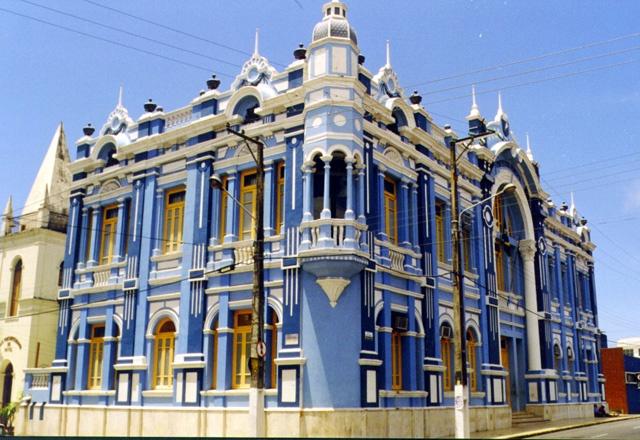 Palácio Felipe Camarão - Prefeitura Municipal de Natal-RN-Brasil - Localizado no centro da capital, no bairro da Cidade Alta, foi construído em arquitetura eclética, mesclando influências de estilos arquitetônicos diversos. Seu nome homenageia Filipe Camarão - um dos maiores heróis da história da expulsão holandesa no Nordeste.
