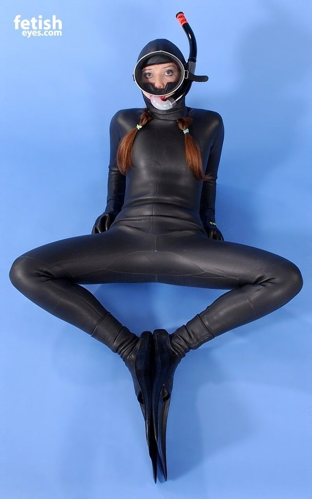 Heavy Rubber Bondage Sex With J And Elise Graves