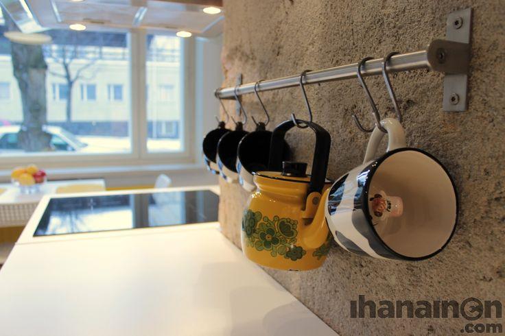 Ihanainen.com Reelingit tuovat helppoutta arkeen ja saavat lempiesineet näkyville. #sisustussuunnittelu #tampere