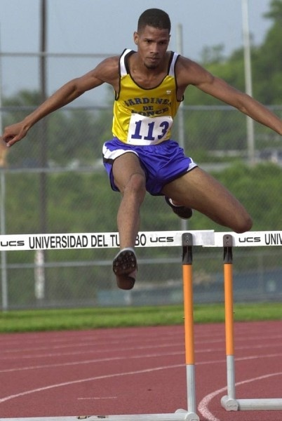 1.En el 2003, competió para la Universidad del Turabo y consiguió el Campeonato Nacional de Atletismo en el evento de 400 metros con vallas. (Suministrada)
