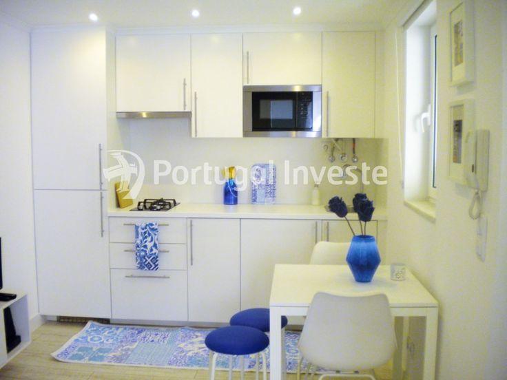Cozinha, Vende apartamento T1, mobilado e equipado, ideal para alojamento local, na típica Mouraria - Portugal Investe