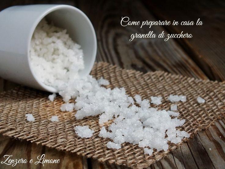 Ecco come preparare la granella di zucchero in casa in poche mosse. Un procedimento semplicissimo e, soprattutto, molto economico.