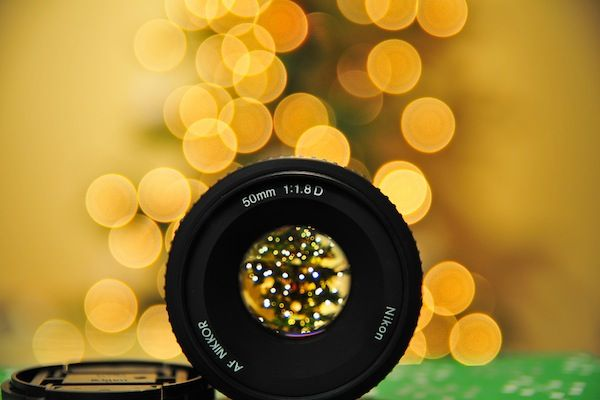 how to get the bokeh effect with a digital camera (those pretty blurry backgrounds)