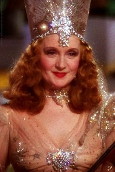 Actress Billie Burke was born today 8-7 in 1884. Many older and middle Boomer kids first saw her in her iconic role of Glenda The Good Witch when The Wizard of Oz was first show on TV in Nov of 1956.