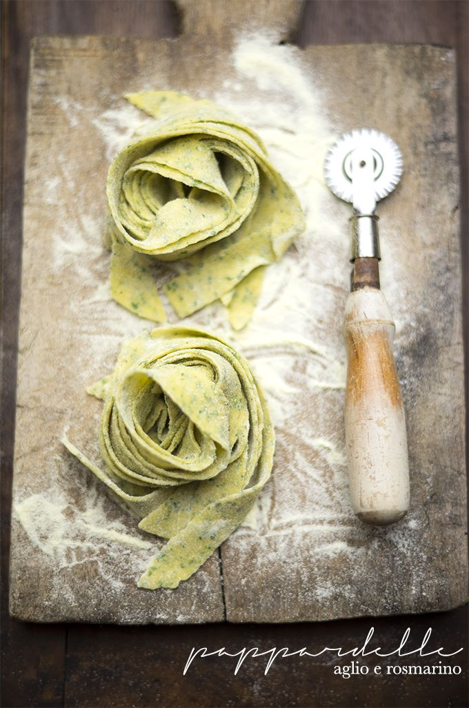 garlic rosemary pappardelle www.pane-burro.blogspot.it
