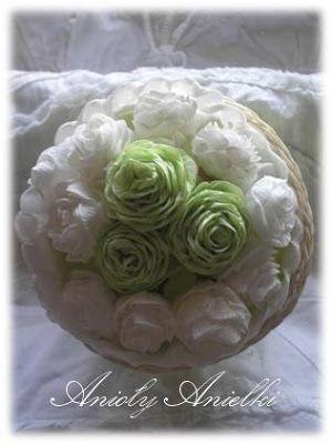 Róże z bibuły. DIY - Handmade Craft. kursykrokpokroku.blogspot.com#różezbibuły #kwiatyzbibuły #craft #DIY