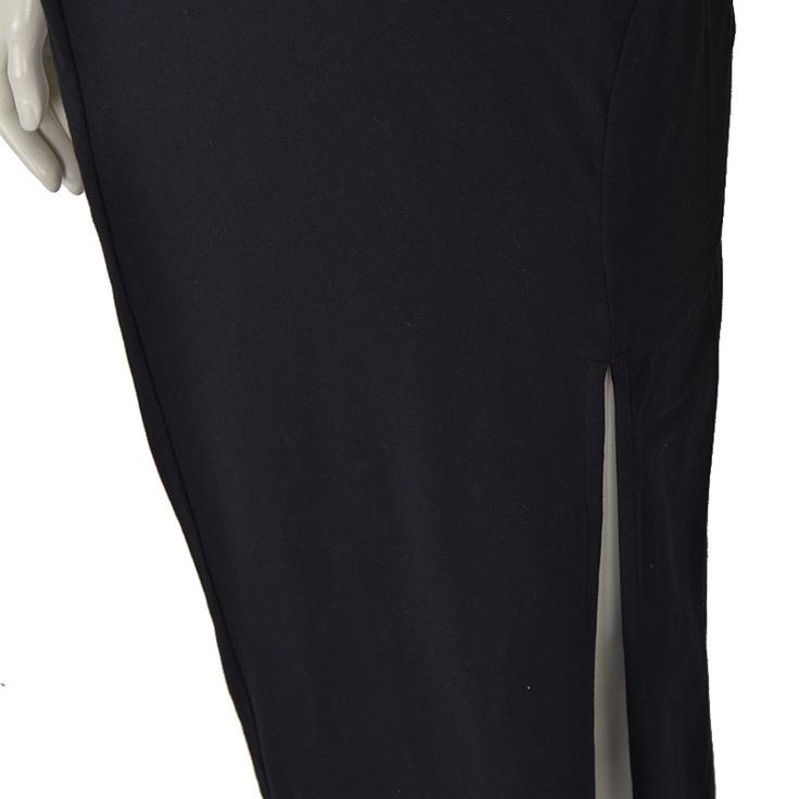 Lang nederdel fra Won Hundred med slids i venstre side.  Super fin og enkel med bred kant foroven så den sidder optimalt.    Detaljer    - 95% Bomuld, 5% Elastan.  - Måler 100 cm i str. M.