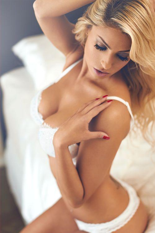 Bekijk ook eens onze tumblr pagina met nog meer Boudoir Inspiratie!  http://boudoir-fotograaf.tumblr.com/
