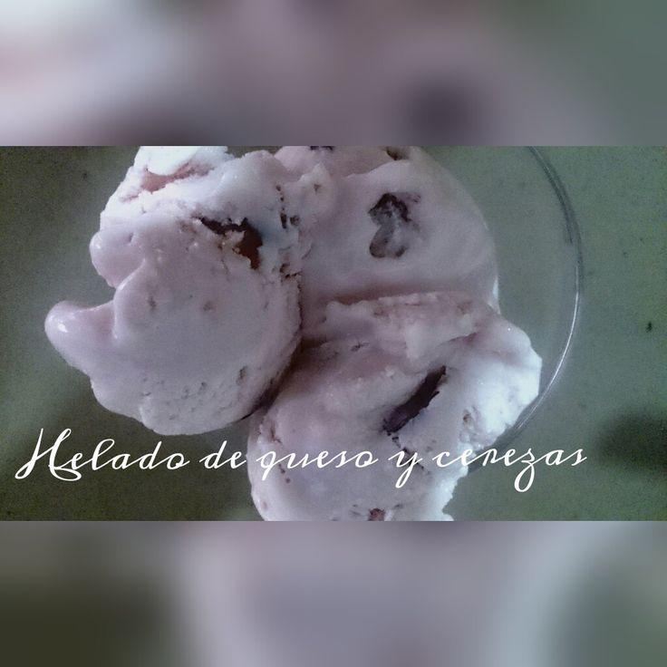 Helado de queso y cerezas https://mycook.es/receta/helado-de-queso-y-cerezas