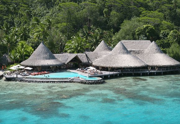 The untamed appearance of the Sofitel Rangiroa's synthetic thatch roofing