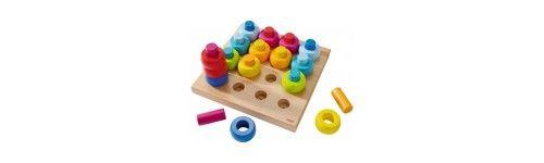 Drewniane zabawki edukacyjne, które uczą, bawią i rozwijają wyobraźnię u dzieci. Szybko nie trafiają do konta. W ofercie: waga firmy Bajo, piramida na kołach, piramida klaun, przebijana, but przeszywanka, drewniane domino, cyferki drewniane oraz drewniane literk
