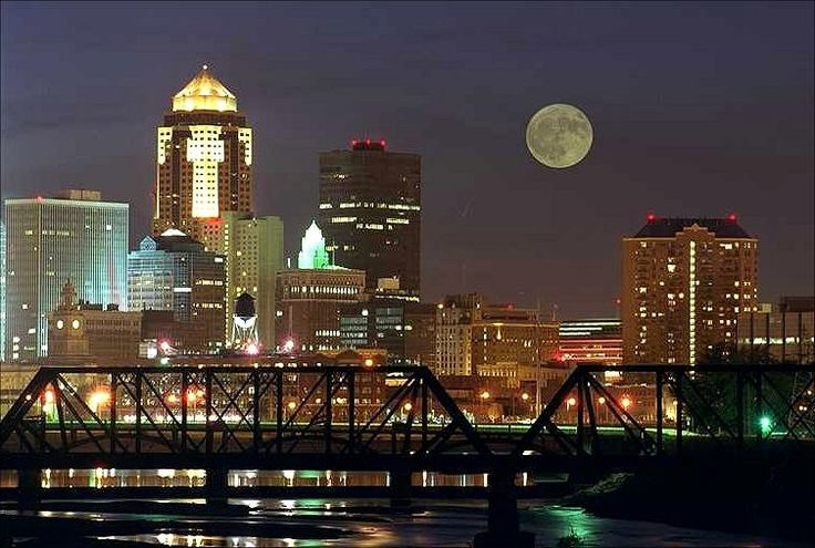 Great shot of Downtown Des Moines!