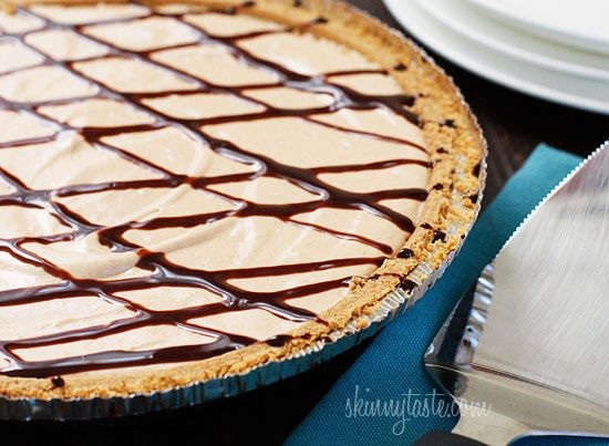 Skinny No-Bake Peanut Butter Pie | Skinnytaste: No Bak Peanut, Skinny Peanut, Pies Recipes, Weights Watchers, Tasti Recipes, Butter Pies, Ww Recipes, No Baking Peanutbutt Pies, Peanut Butter