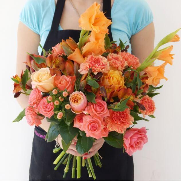 Хотите сделать комплимент, но не знаете как? Дарите смело цветы! Вместо тысячи слов!