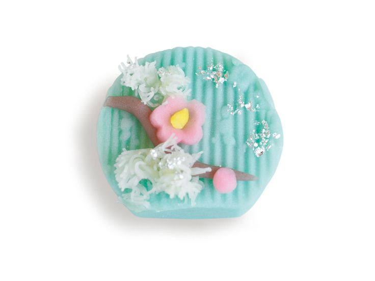 [ edible work of art I Cafe Tsubaki at Yamatane Museum of Art I 2010 ]
