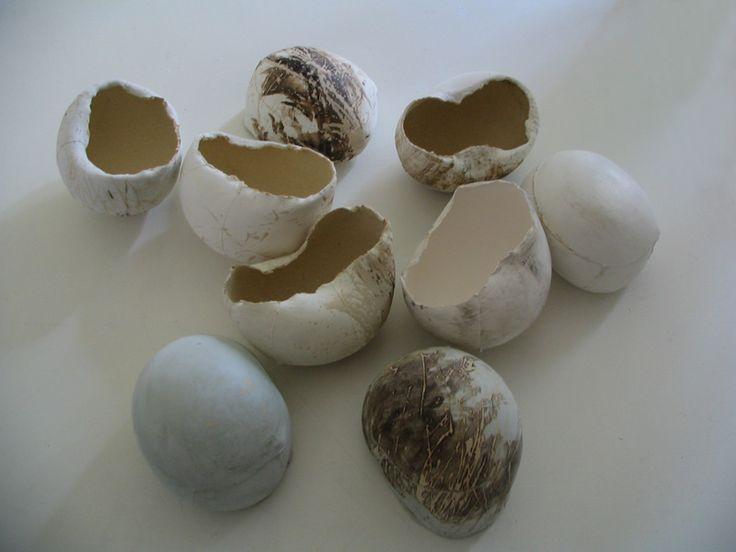 Anna Klimešová, Empties, 2007, 18 x 14 cm #clay #sculpture #empties #stalker