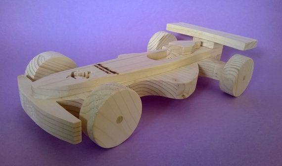 Auto da corsa in legno per bambini Cod. di MacchiavelliArtLegno