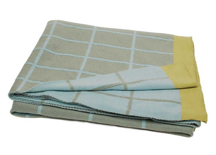 Knitted Plaid in 100% cotton design Grid 140x200 cm 99.95 Euro.  What to put together with powder blue.