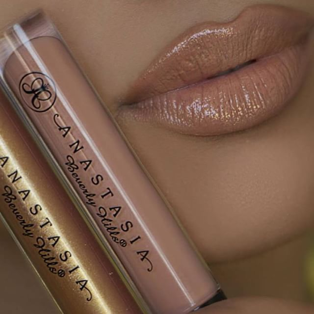 Nude & gold lips anastasiabeverlyhills Undressed and Gilded lip glosses