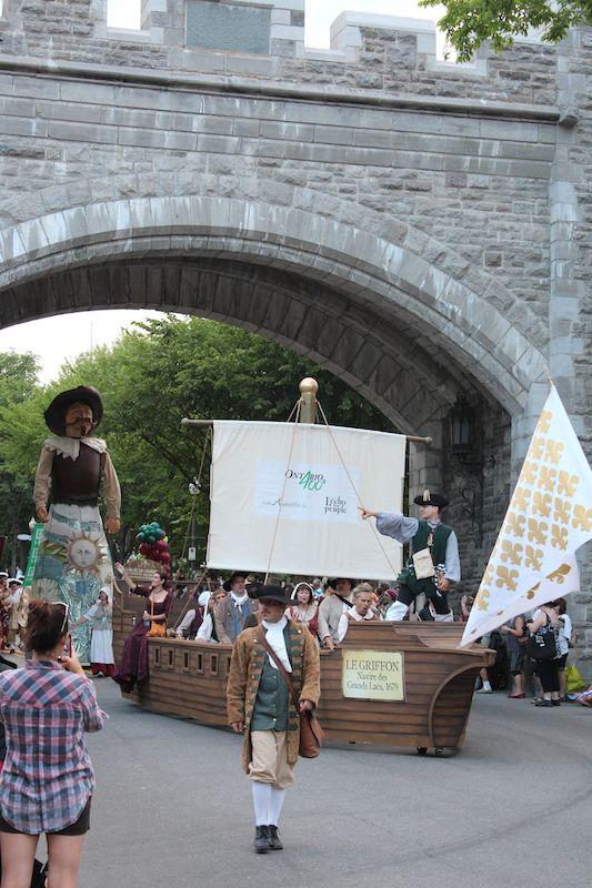 Défilé des fêtes de la Nouvelle-France 2014 - Porte St-Jean - Québec, QC, Canada