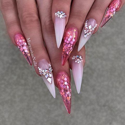 Weiße Ombré-Clear-Glitter-Stiletto-Nägel, die von MargaritasNa … – Nailart