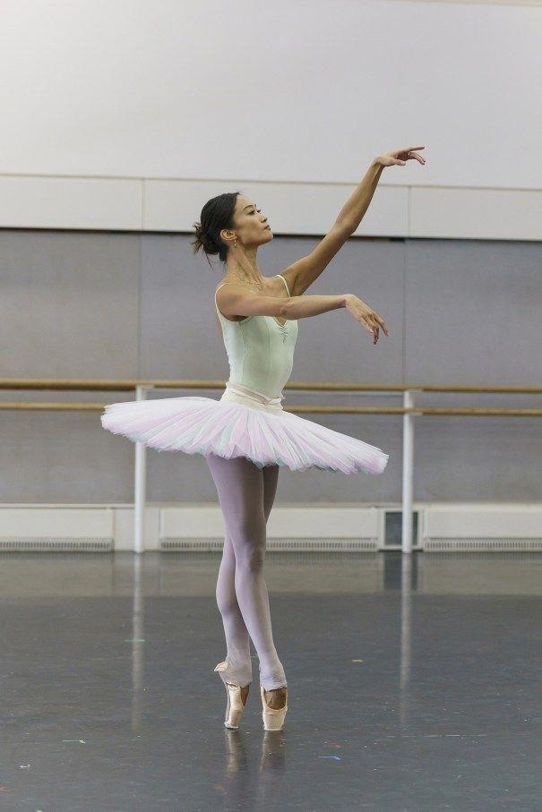 Kameliendame Fumi Kaneko In Rehearsal For Ma Ballet Ballet Dance Photography Ballerina Photography Contemporary Ballet