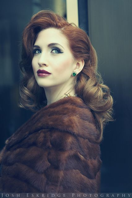 40's makeup and hair..actually adore the ombre with the look