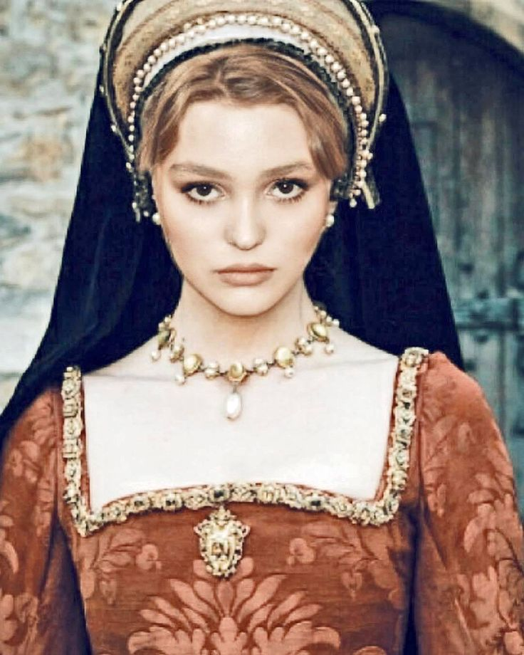 """Lily As Catherine Of Valois In The Movie """"The King"""