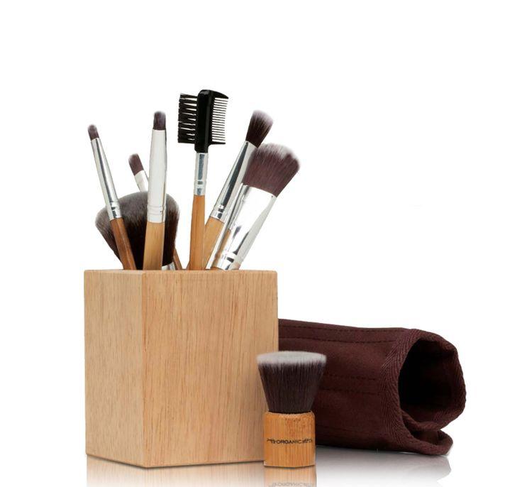 Makeup Artist Brush Set - World Organics